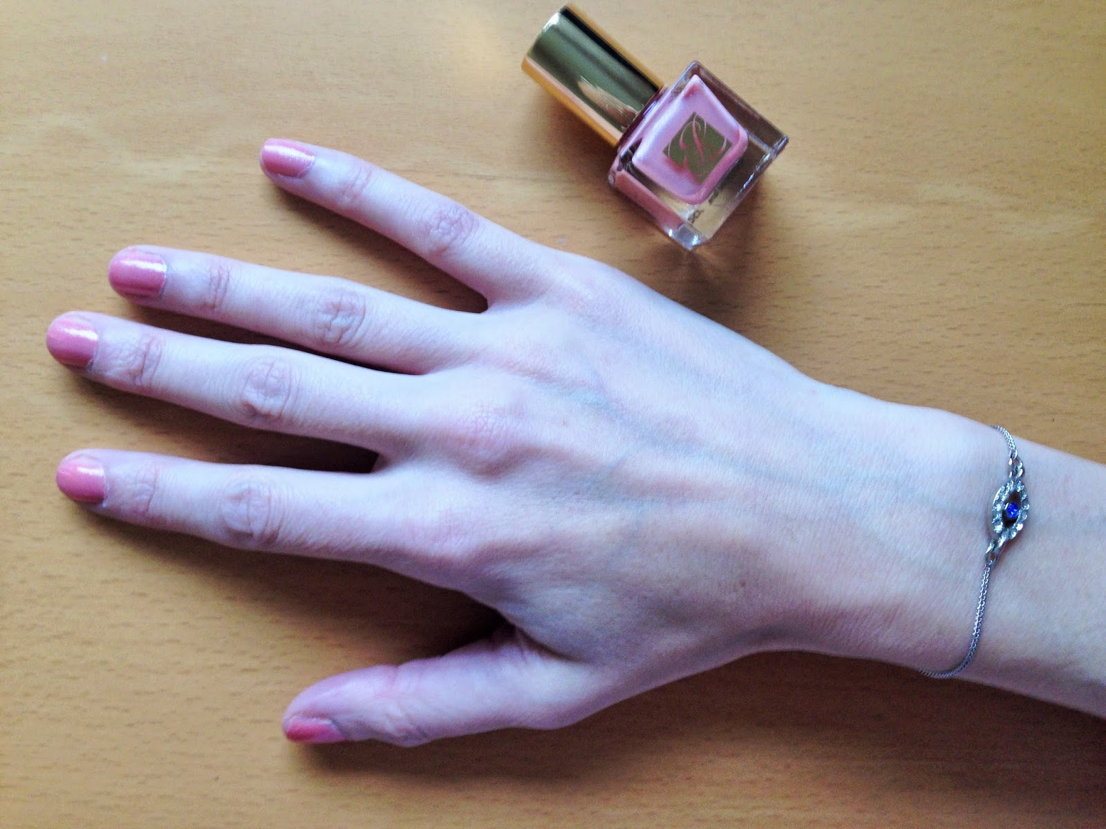 Estee Lauder Nail Lacquer in Blushing Lilac