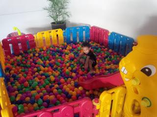 Usaha mainana bola anak