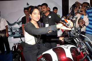 Actress Sameera Reddy at DNA WheelOCity Auto Expo