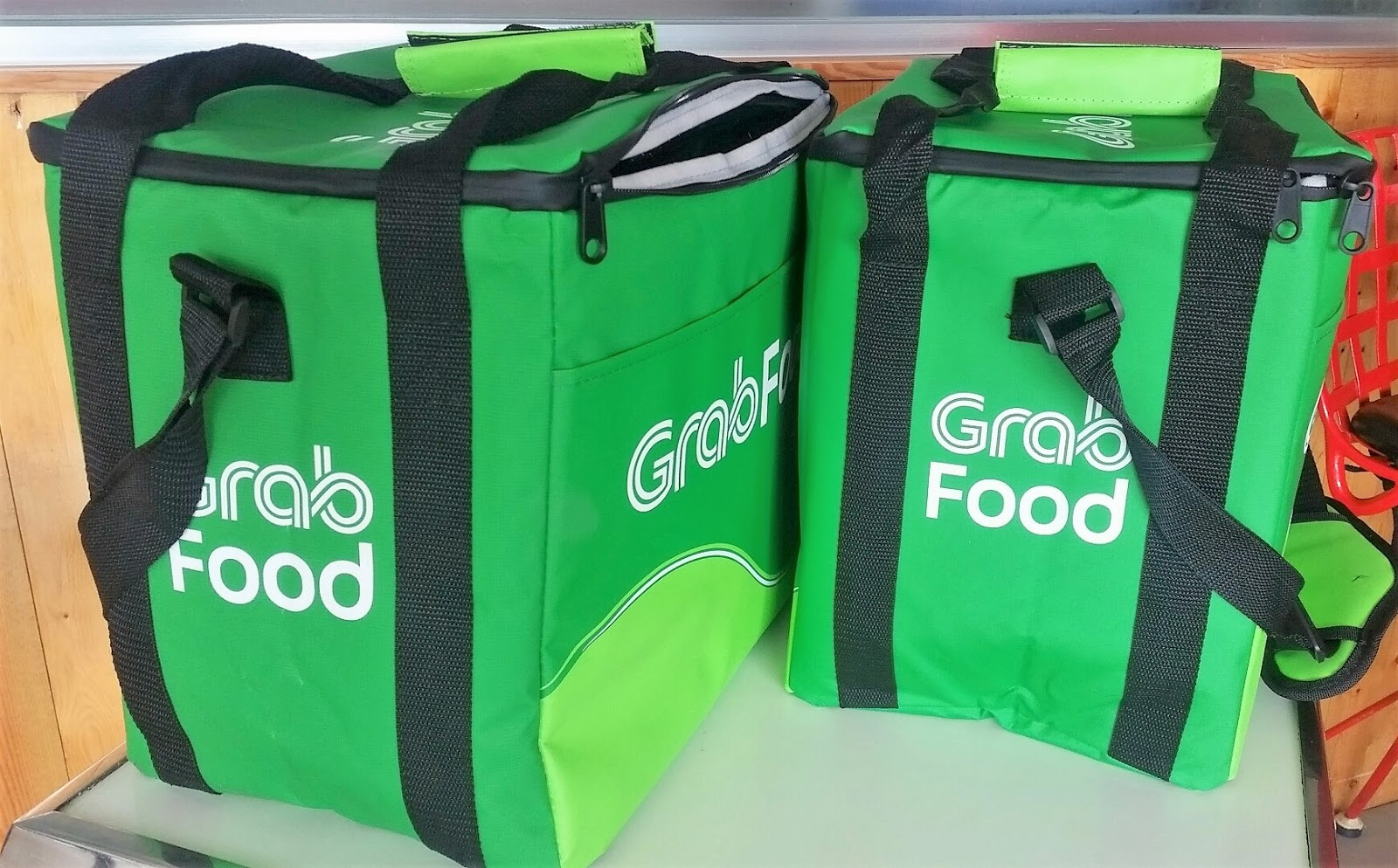 Byahe at Gimik: No  1 Online Food Delivery Service, Grab