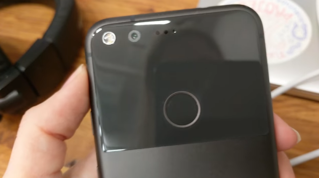 Pixel and Nexus Users Reporting fingerprint sensors issues after Android 7.1.2 update
