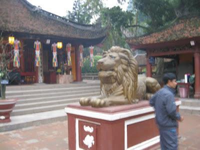狛犬がライオン
