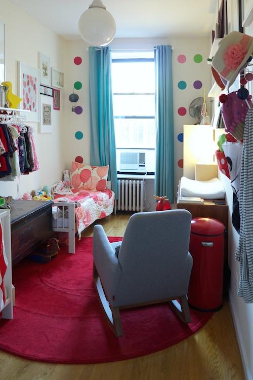 colorido dormitorio de niños