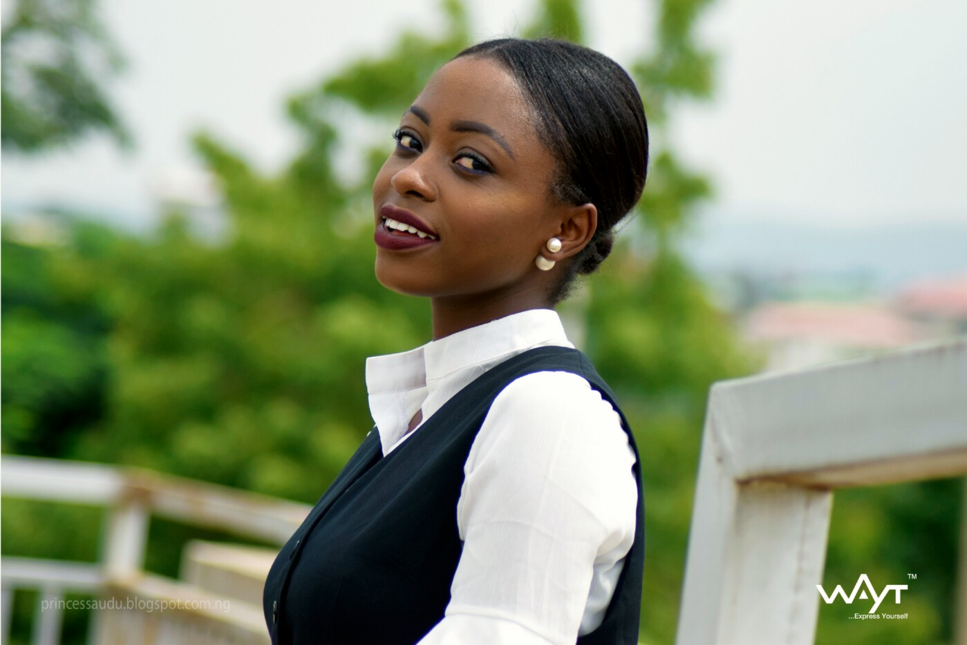 pearl earring, Nigerian fashion blogger