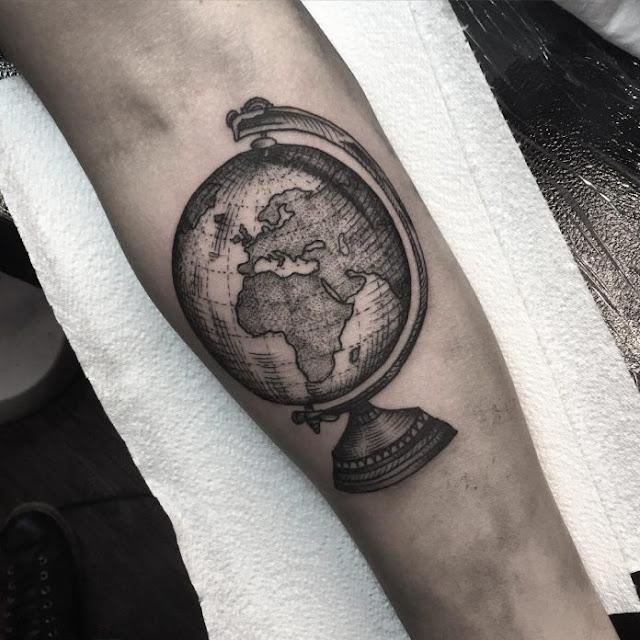 tatuagem globo terrestre