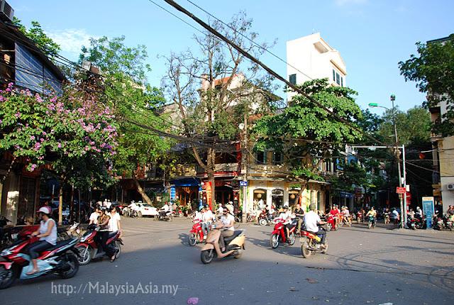 Street Photography Hanoi