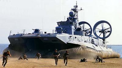 Kapal perang berbantalan udara Zubr