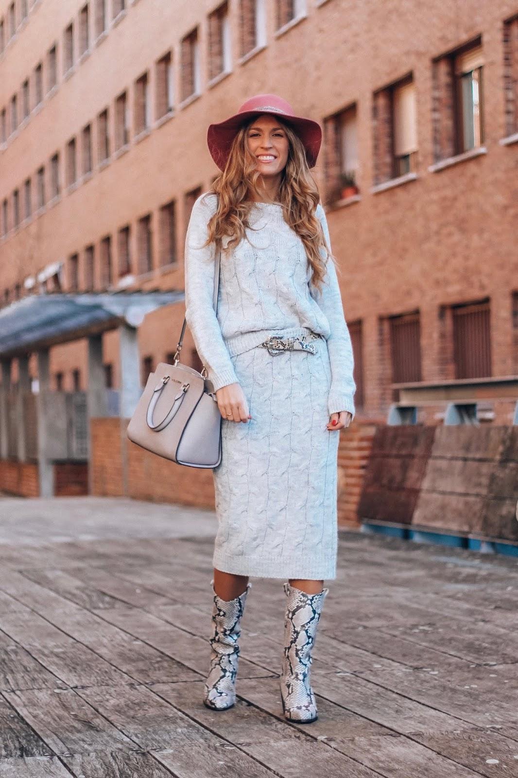 falda midi de punto gris
