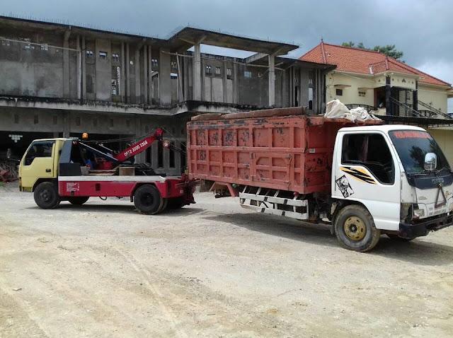 Derek Mobil di Surabaya