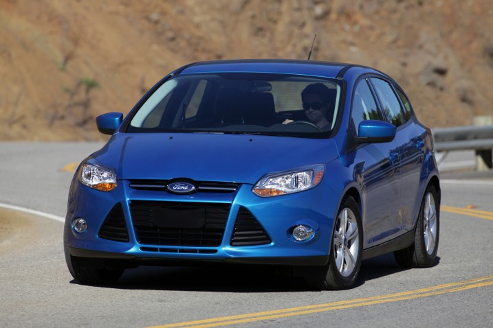 poor car reviewer  ford focus se sel titanium