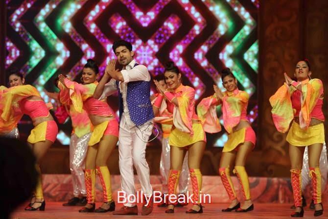 Gurmeet Singh,, Katrina,  Shah Rukh, Priyanka, Deepika At Umang 2015