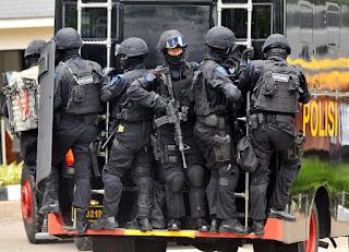 Sebelum Bebas, Gembong Teroris Aman Abdurrahman Dibawa Densus 88