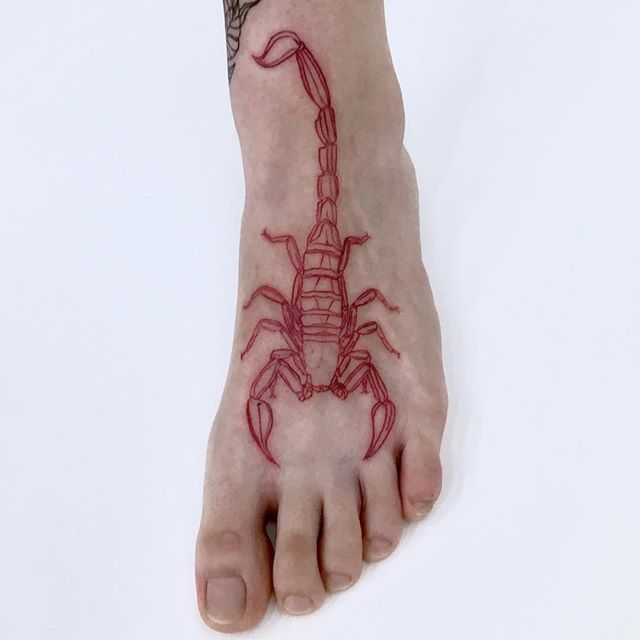 scorpion foot tattoo,simple scorpion tattoo