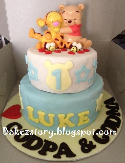 Winnie The Pooh And Tigger 1st Birthday Cake For Luke Special Order By Baby Lukes Godparents Hope Had A Pleasant Surprise