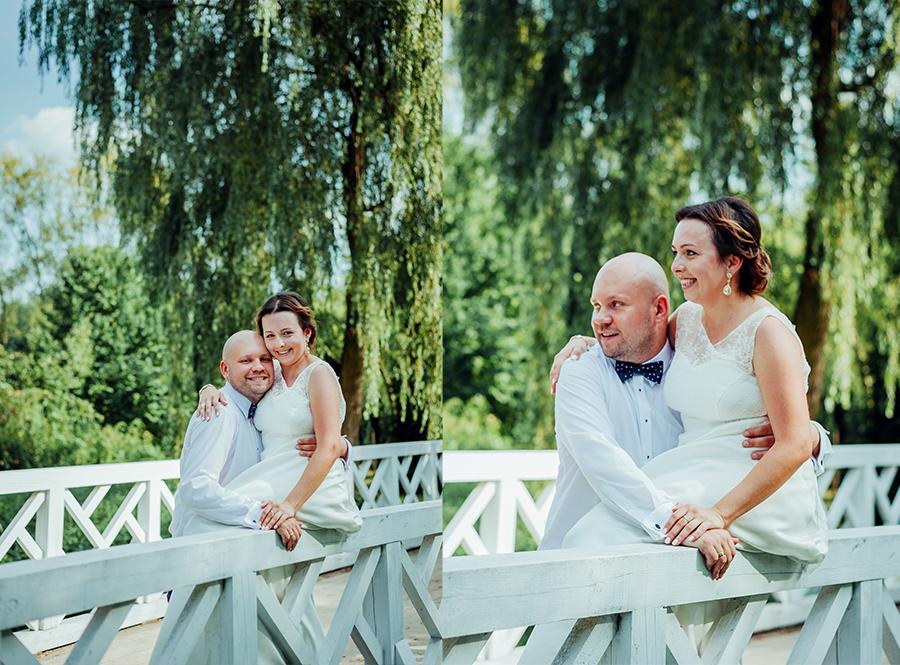 Zdjęcia ślubne w Muzeum Wsi Lubelskiej, skansen Lublin, plener ślubny, zdjęcia na mostku