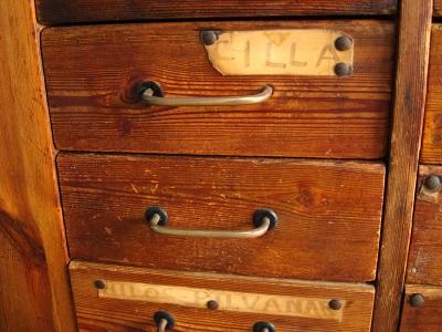 Mostradores antiguos de madera
