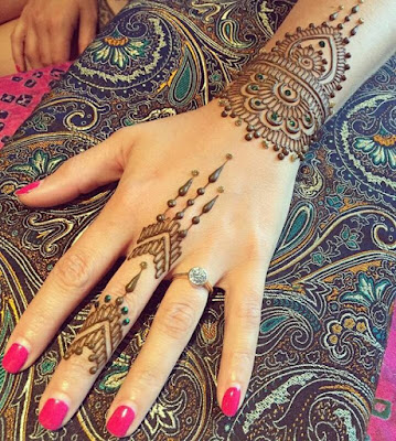 Easy-and-simple-bridal-mehendi-designs-for-full-hands-and-legs-9