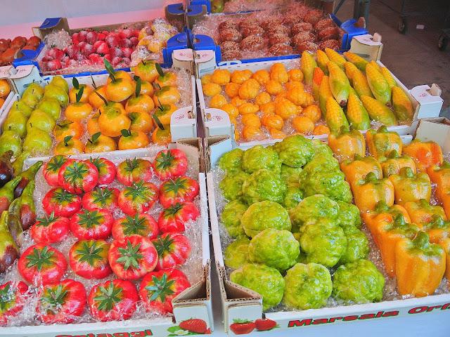 targ w Palermo, Sycylia, stragany