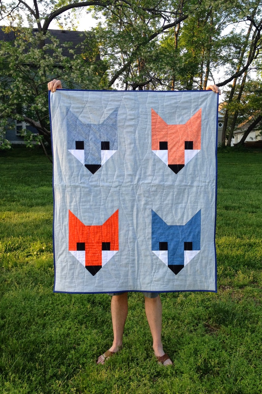 http://ablueskykindoflife.blogspot.com/2015/05/fancy-fox-quilt-finish.html