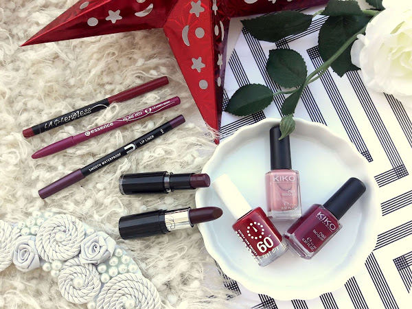 Red, plum and pink for lips and nails