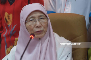 Bila Anwar tarik diri calon PM, Wan Azizah pula u-turn