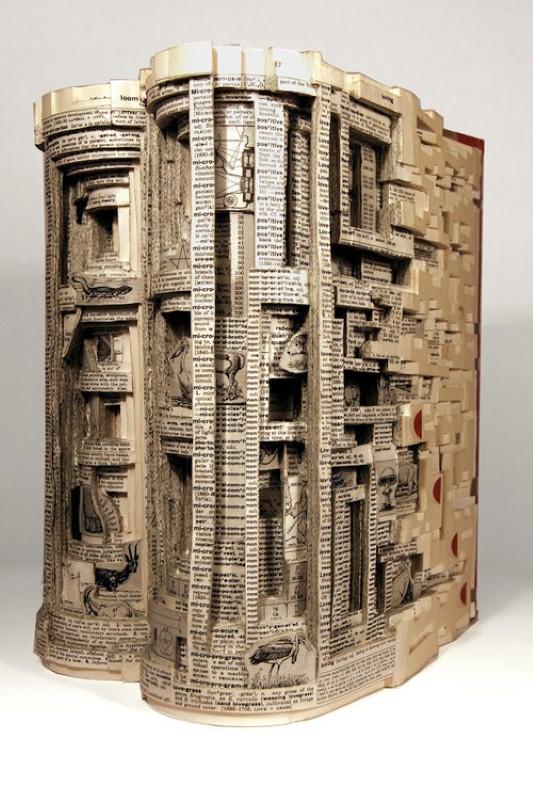 Скульптуры из книг. Brian Dettmer 6