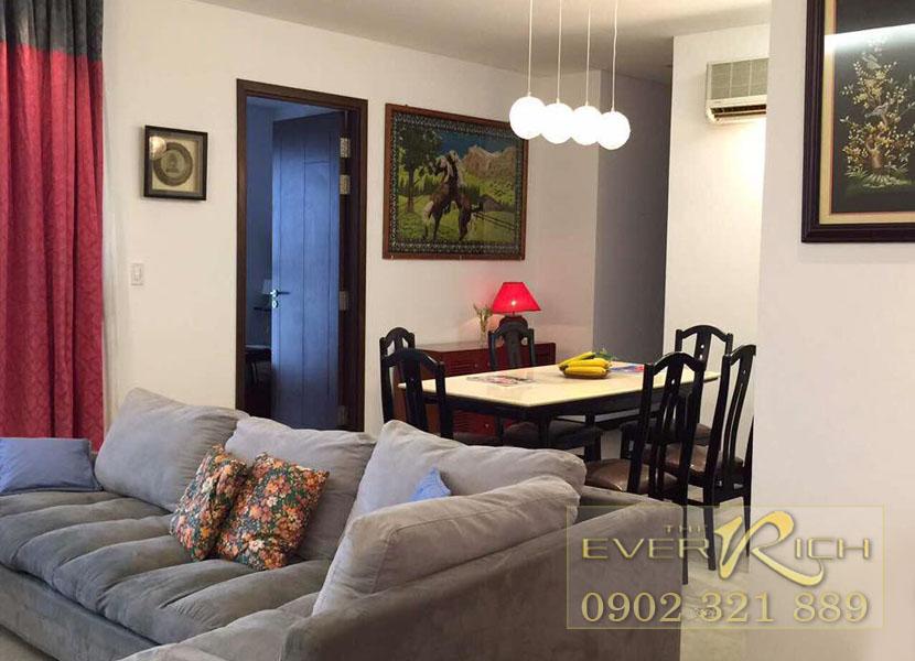 Cho thuê căn hộ The Everrich quận 11 - sofa view bàn tại phòng khách