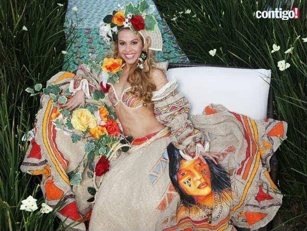 Joelma Calypso com roupa de Carimbó