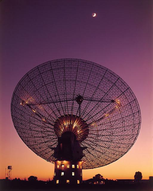 Rádio telescópio do Observatório de Parkes em 1969 - CSIRO