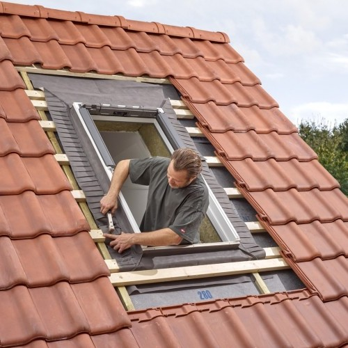 okna i drzwi szybszy i pewniejszy monta okien dachowych. Black Bedroom Furniture Sets. Home Design Ideas