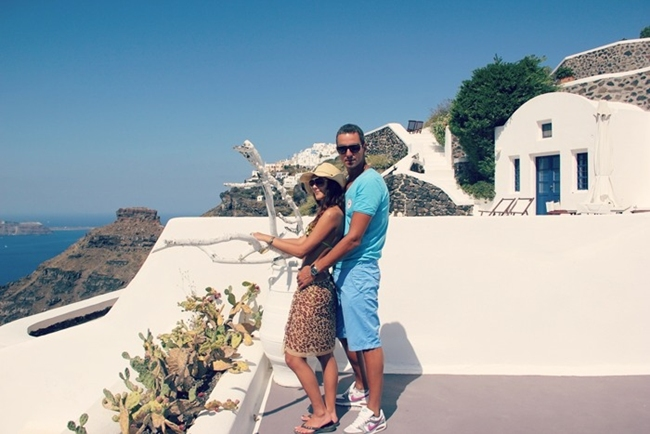 best Santorini island hotels for couples