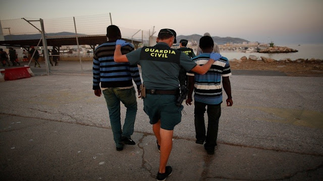 Spanish Police Busts a Criminal Network That was Smuggling Migrants on Jet Skis - Like This Article