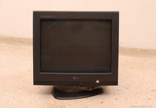 Mengatur resolusi monitor di Xubuntu Ubuntu secara manual ketika ukuran resolusi tidak dikenal