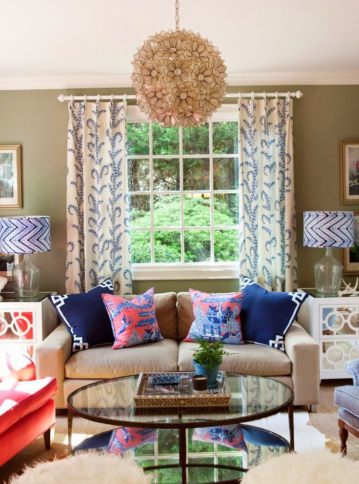 Eye for design decorating palm beach preppy style - Pictures of coffee tables in living rooms ...