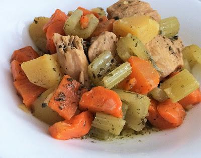 Zdrowy obiad z kurczaka z szybkowaru
