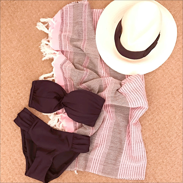 My Midlife Fashion, HM straw panama, coco bay shimmer twist bandeau bikini top, seafolly shimmer ruched side retro bikini pant, fringed towel
