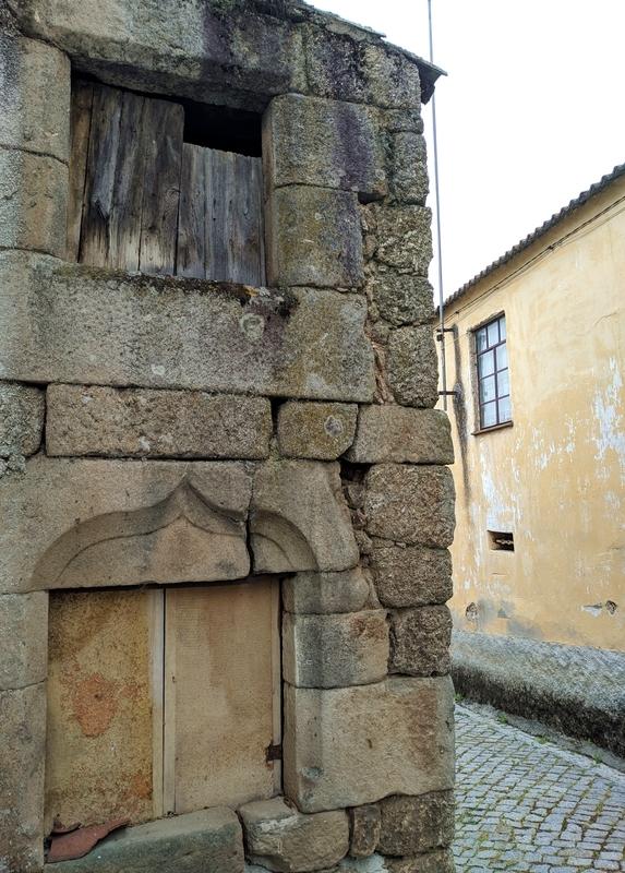 Еврейские дома в Португалии. Лажеоза-ду-Мондегу