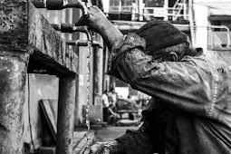 Hari Buruh: Harapan Versus Kenyataan