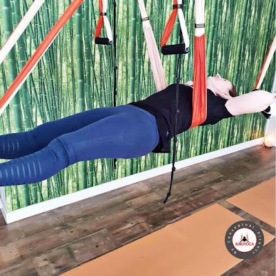 aeroyoga, yoga aereo, aerial yoga, yoga aerea, madrid, españa, formacion, certificacion, acreditacion, yoga alliance, teacher training, cursos, seminarios, aeropilates