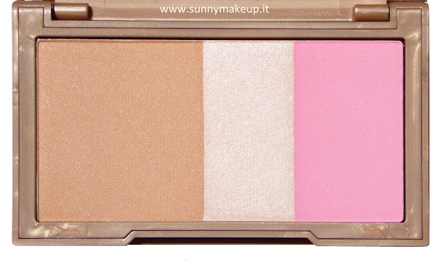 Urban Decay - Naked Flushed. Palette con Bronzer, Illuminante e Blush nella colorazione Native.