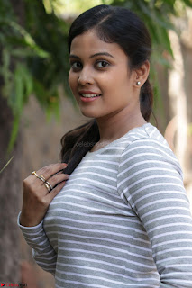 Actress Chandini in ed Tight Top at Ennodu Yilayadu tamil movie press meet ~  14.jpg