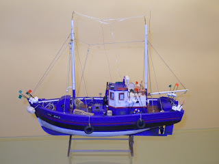 maqueta de barco de madera pesquero Atlantis de artesania latina