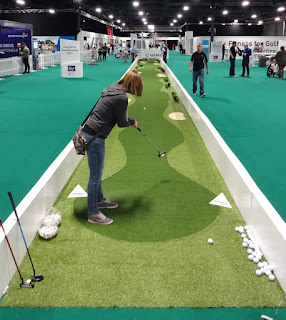 The teeofftimes.co.uk's incredibly lengthy Long Putt Challenge at The Golf Show by American Golf