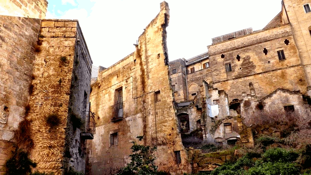 Prime abitazioni di Gravina
