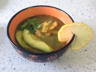 Presentación sopa de tortilla