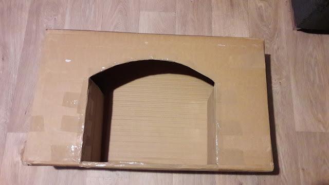 tutoriel diy en photo pour construire une jolie cheminée de noel en carton brique