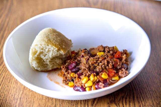 Outdoor Kitchen 04  Chili con Carne aus dem Dutch Oven  Party-Rezept  Camping-Rezept 06