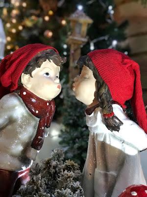 Küss mich! Weihnachtsausstellung im Löwenbräu - Baden-Baden zugunsten krebskranker Kinder