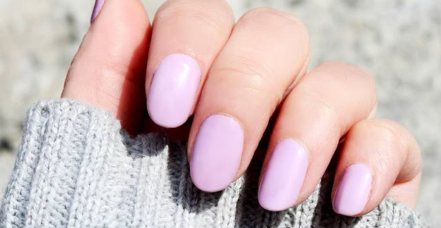 How to Grow Nails Faster and Stronger in a Week