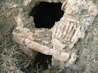 Αληθεύει ότι σε σπήλαια στην Κρήτη βρέθηκαν αρχαία ρομπότ και οι μυστικές υπηρεσίες κάλυψαν το γεγονός;;;